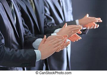 standin, grupo, pessoas negócio, aplaudindo, up.a, fim