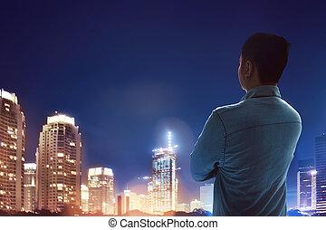 standing, città, dall'aspetto, uomo, notte