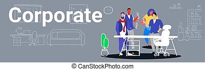standing, colleghi, concetto, riunione, ufficio, bandiera, tostare, moderno, schizzo, insieme, businesspeople, scarabocchiare, collaboratore, durante, interno, festa, orizzontale, champagne, corporativo, bere