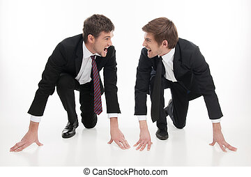 standing, competition., persone affari, arrabbiato, isolato, giovane guardare, inizio, mentre, altro, due, ciascuno, linea bianca