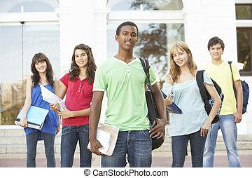standing, costruzione, adolescente, gruppo, studenti, esterno, università