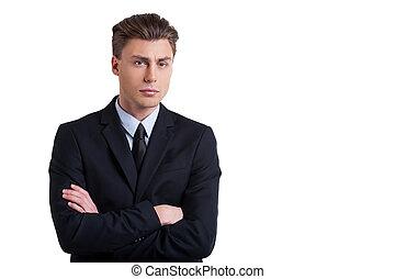 standing, custodia, success., giovane, formalwear, isolato, dall'aspetto, fiducioso, mentre, macchina fotografica, bracci attraversati, ritratto, bianco, uomo