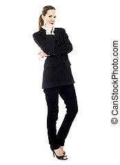 standing, donna d'affari, giovane, studio, fondo, bianco