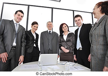 standing, gruppo, ufficio, persone affari, sorridente