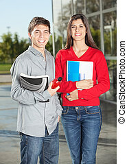 standing, studenti, mentre, libri, università, presa a terra