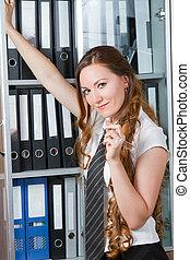 standing, theme:, affari donna, felice, questo, serie, ufficio, macchina fotografica., ritratto, portafoglio, sorridente, cartella, mio, più