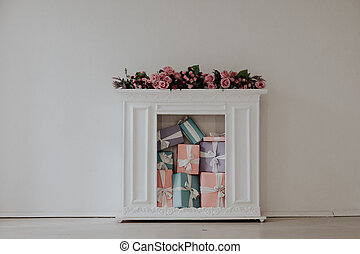 stanza, colorito, fiori bianchi, caminetto, regali