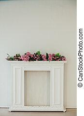 stanza, rosa, parete, caminetto, fiori bianchi
