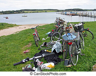 stapel, van, bicycles, door het strand