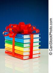 stapel, van, kleurrijke, boekjes , vastgemaakt, met, rood lint