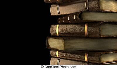 stapel, van, oude boeken, in, bibliotheek