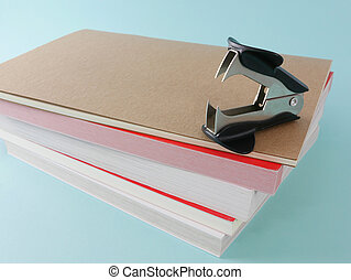 Staple remover with notebook (1)