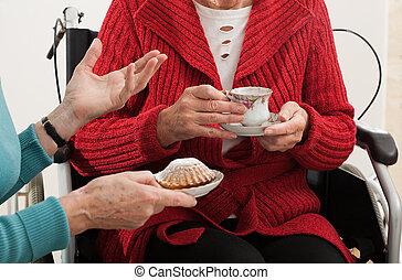 starší, ženy, konverzace