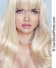 stare., makeup., piękny, blond, kobieta, z, długi, falisty, hair.