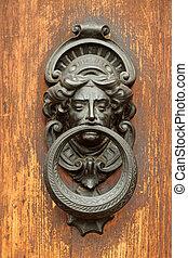 starożytny, elegancki, drzwi knocker