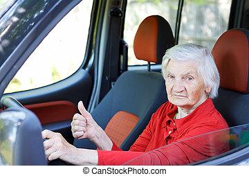 starsza kobieta, napędowy