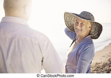 starsza kobieta, pociągający, jej, mąż