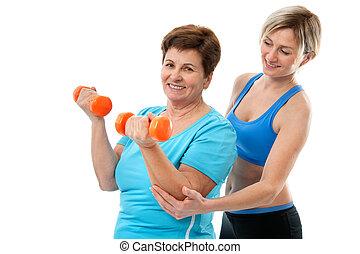 starsza kobieta, sala gimnastyczna