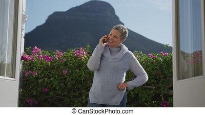 starsza kobieta, sam, dom