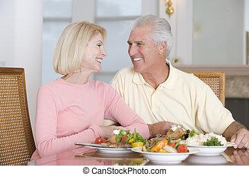 starsza para, cieszący się, zdrowa mąka, razem