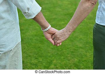 starsza para, dzierżawa