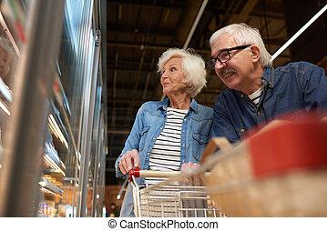 starsza para, sklep spożywczy, sopping