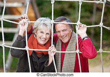 starsza para, szczęśliwy