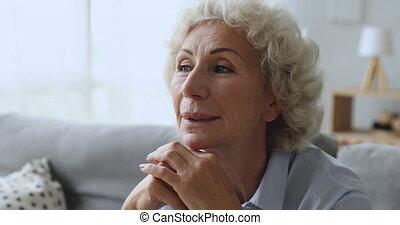 starszy, marzycielski, kobieta przeglądnięcie, stary, ...