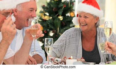 starszy, przyjaciele, świętując