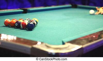 start first hit of pool game