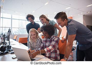 startup, multiethnic, equipe negócio