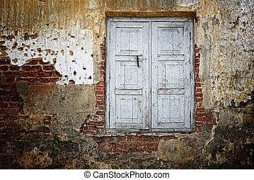 starway - old wooden door