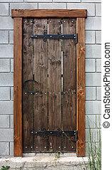 stary, drewniane drzwi