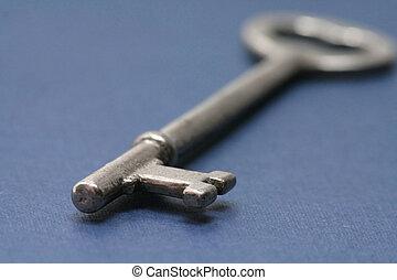 stary, klucz