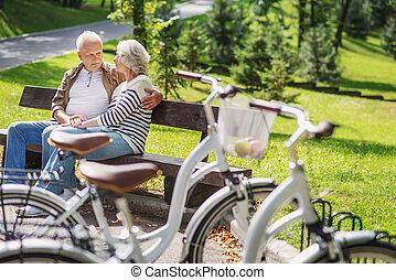 stary, odprężając, para, po, kolarstwo, kochający