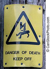 stary, ostrzeżenie znaczą, na, na, słup elektryczności