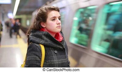 station, métro, venir