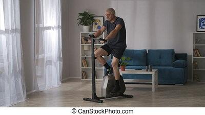 stationnaire, âge, sain, vélo, formation, homme, bonne condition, garder, milieu, physique, style de vie, salle