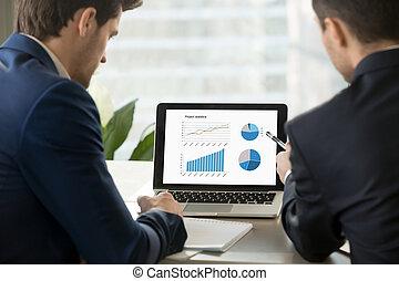statisztika, laptop, két, screen., terv, elemzés, businessmen