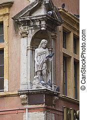 statua, di, gesù, con, agnello, e, vivere, colombe