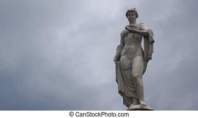 Statue - Ancient statue, time-lapse