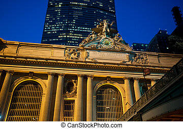 Statue at Grand Central Terminal