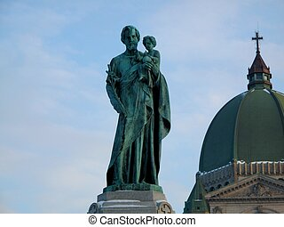 Statue at St Joseph\\\'s oratory