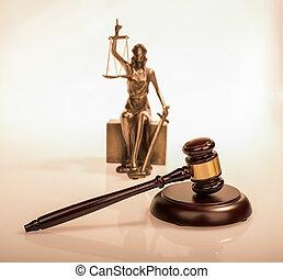 statue, de, justice, et, gavel bois, droit & loi, concept