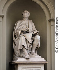 Statue of Filippo Brunelleschi by Luigi Pampaloni he was a famous Italian Renaissance architect and sculptor.