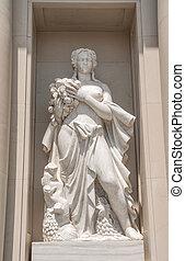 Statue of Goddess nearby of Placa de Catalunya? in Barcelona,