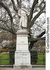 Herzog Leopold der Glorreiche - statue of Herzog Leopold der...