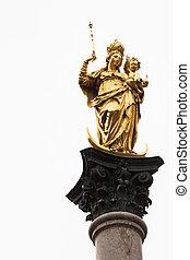 Statue of mother Mary on Munich's Marienplatz