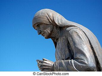 Statue of mother teresa in struga , macedonia