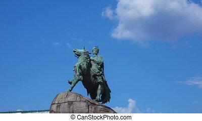 Statue of ukrainian hetman Bohdan Khmelnitsky, timelapse